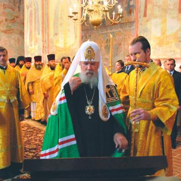 Патриаршее богослужение 17 июня 2007 года в Софийском соборе в день Празднества в Вологде всем преподобным отцам Вологодским. Фото А.В. Тарасовского