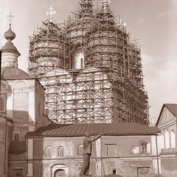 Реставрация фасадов и глав Софийского собора. Фото конца 1950-х годов из собрания ВГИАХМЗ (нв 5830-31)