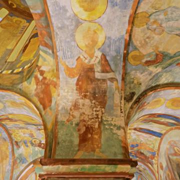 Апостол Ермий. Роспись южной части западной подпружной арки северо-западного барабана.