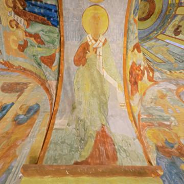 Апостол Силуан. Роспись южной части восточной подпружной арки юго-западного барабана.
