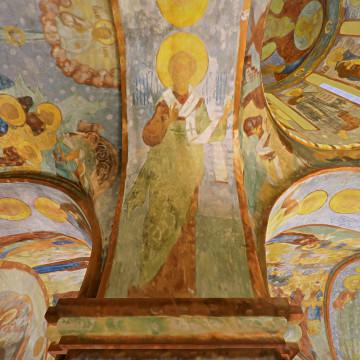 Апостол Насон. Роспись северной части западной подпружной арки юго-западного барабана.