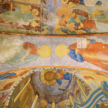 Апостолы Иаков Заведеев и Павел. Роспись южной подпружной арки центрального барабана